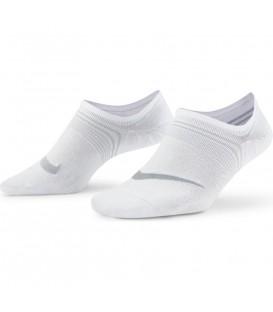 Pack 3 calcetines Nike Performance LTWG para mujer en color blanco disponible al mejor precio en tu tienda online de moda y accesorios www.chemasport.es