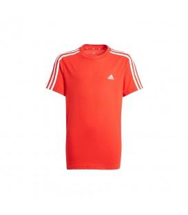 Camiseta Adidas B 3S T para niño en color rojo disponible al mejor precio en tu tienda online de moda y deportes www.chemasport.es