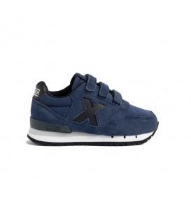 Zapatillas Munich Dash Kid VCO 104 para niño en color azul marino disponible al mejor precio en tu tienda online de moda y deportes www.chemasport.es