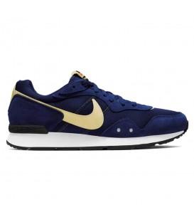 Zapatillas Nike Venture Runner para hombre en color azul marino disponible al mejor precio en tu tienda online de moda y deportes www.chemasport.es