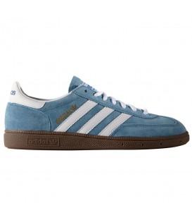 Zapatillas Adidas Handball Spezial 033620 en color azul. Encuentra tus modelos favoritos al mejor precio en Chema Sport y recíbelas en 24/48 horas